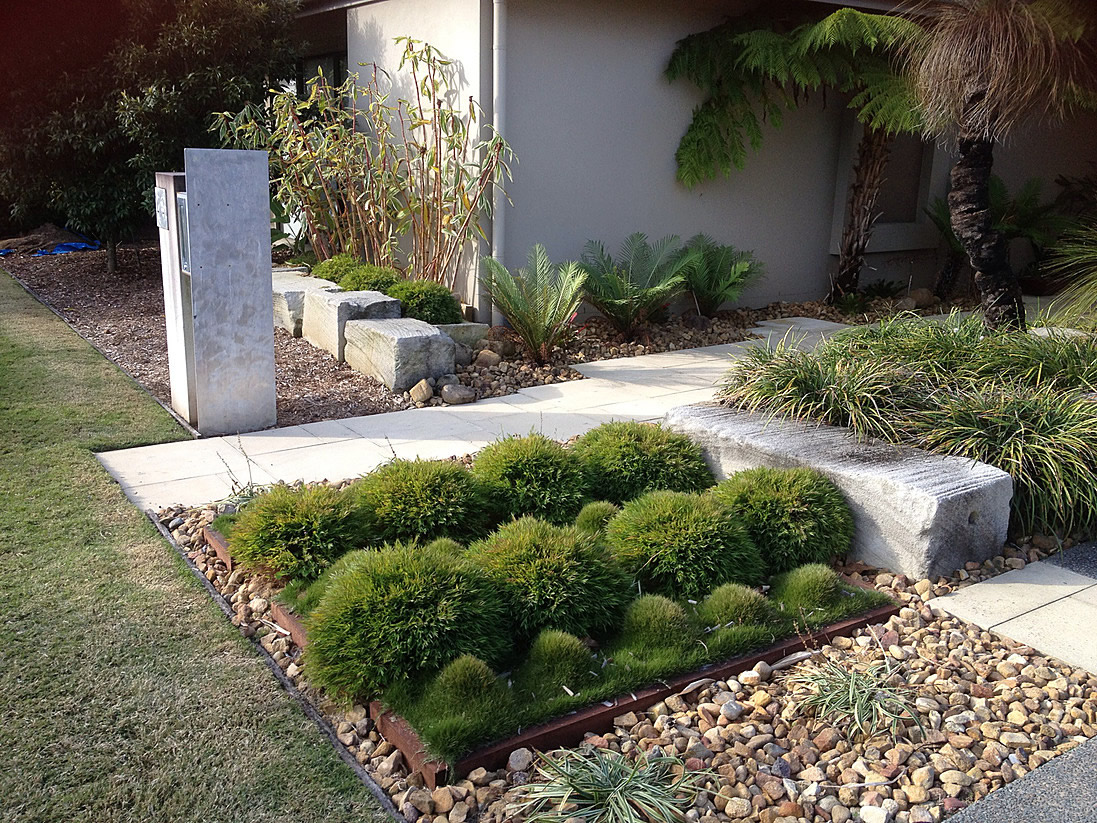 Landscaping gallery green space design maintenance for Green landscape design